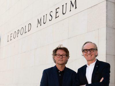 Il fondatore delle audioguide di Hearonymus Peter Grundmann con il direttore del Museo Leopold Hans-Peter Wipplinger