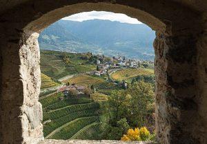 Aussicht auf das Dorf Tirol von Schloss Tirol